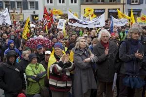 """Kundgebung der Demonstration """"Energiewende retten"""" in Freiburg"""