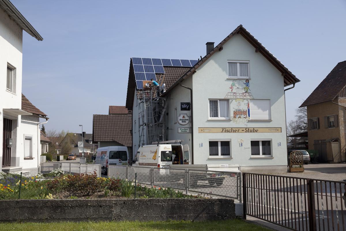 reinhard schw rer solaranlagen in wyhl auf dem weg zu 100 prozent. Black Bedroom Furniture Sets. Home Design Ideas