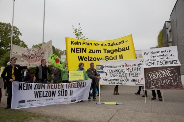 Protest vor der Sitzung des Braunkohlenausschusses
