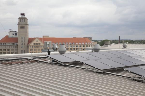 PV-Anlage auf dem Dach der HTW Berlin