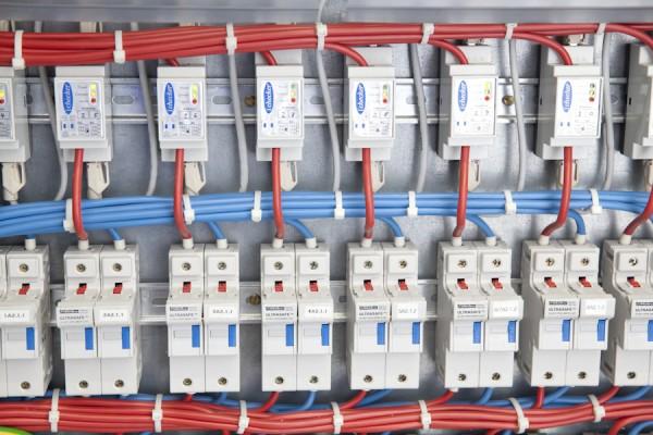 Sicherungen im Hybridkraftwerk